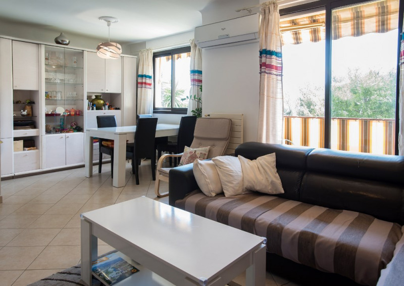 Sale apartment Nice 215000€ - Picture 2