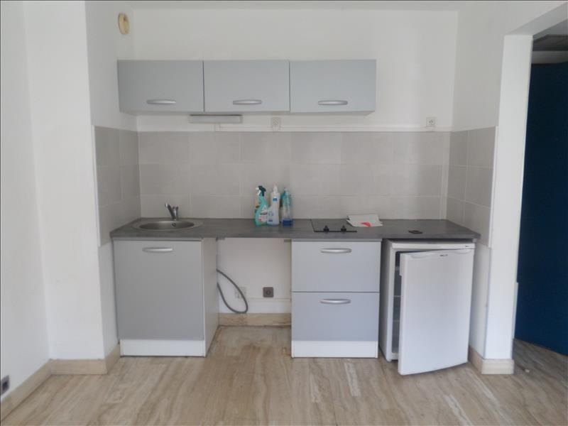 Rental apartment Nimes 434€ CC - Picture 1