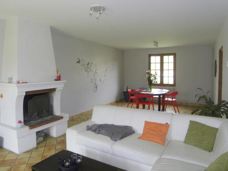 Rental house / villa Jarnac 705€ CC - Picture 2