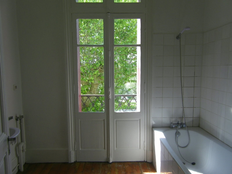 Rental apartment Agen 330€ CC - Picture 3
