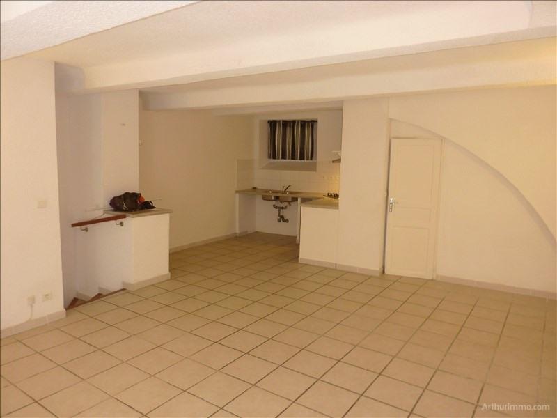 Rental apartment Puget sur argens 537€ CC - Picture 2
