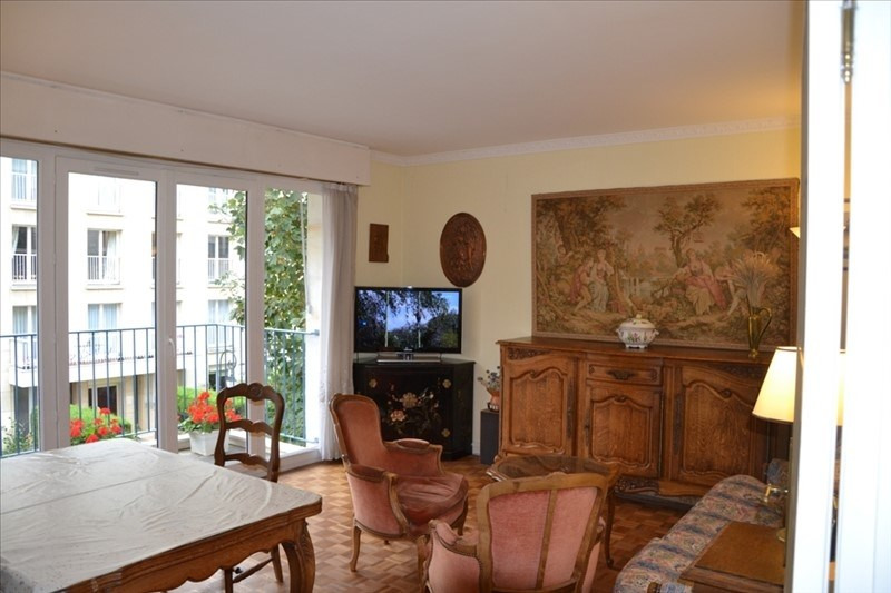 Location appartement Versailles 1 580€ CC - Photo 1