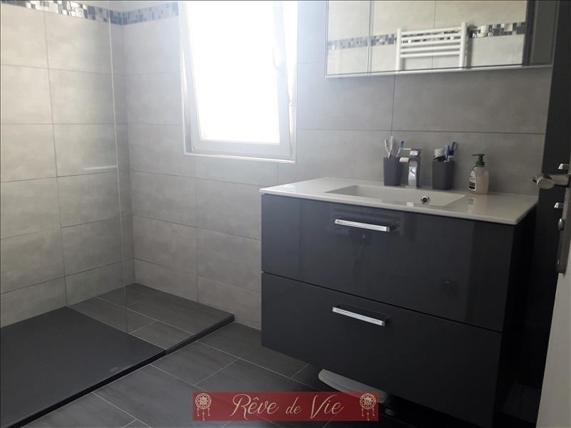 Sale apartment Le lavandou 300000€ - Picture 6