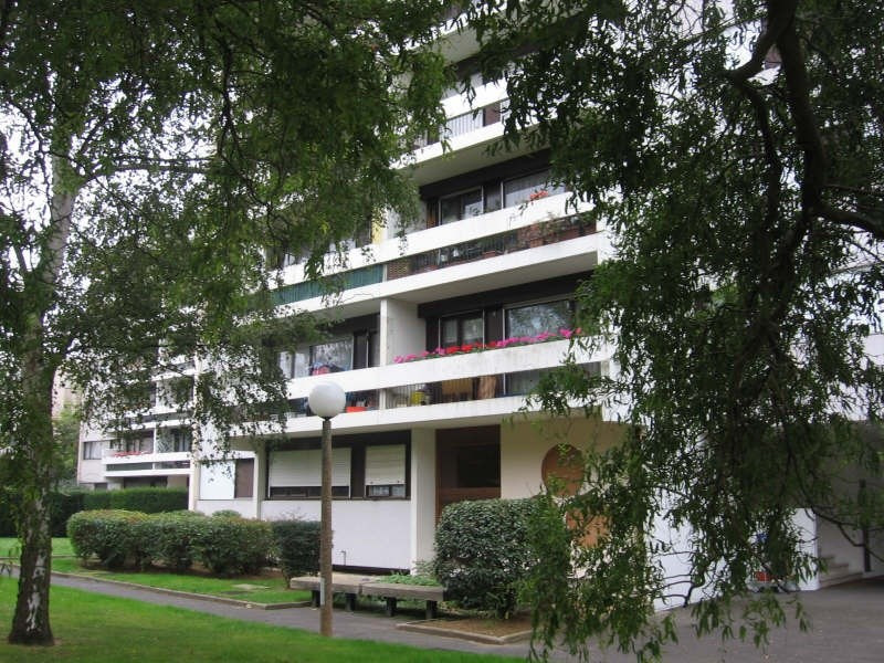 Location appartement Evry 996€ CC - Photo 1