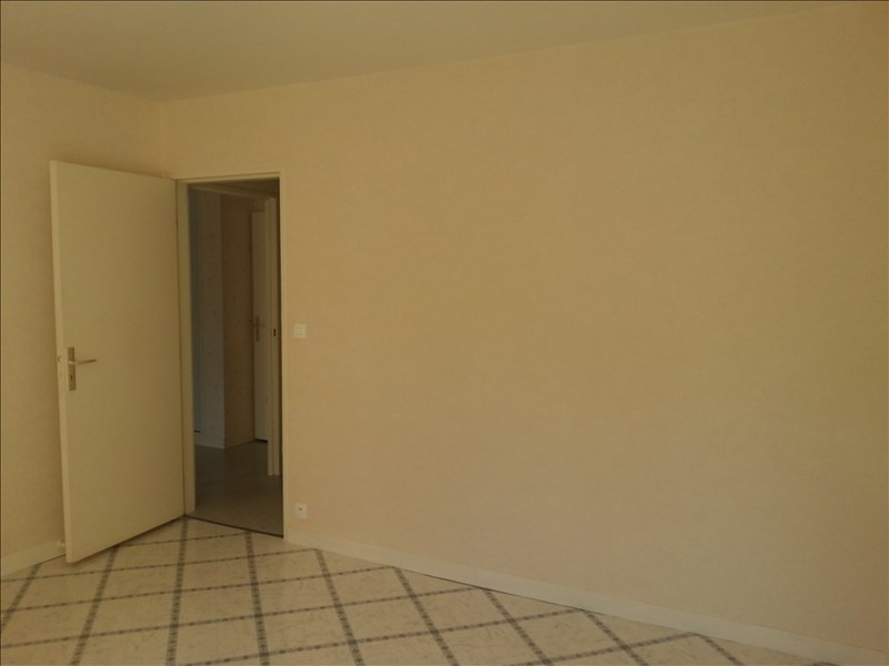 Rental apartment Vendome 570€ CC - Picture 7