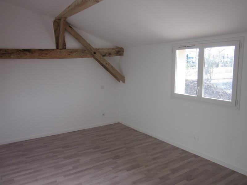 Sale house / villa L isle jourdain 229000€ - Picture 4
