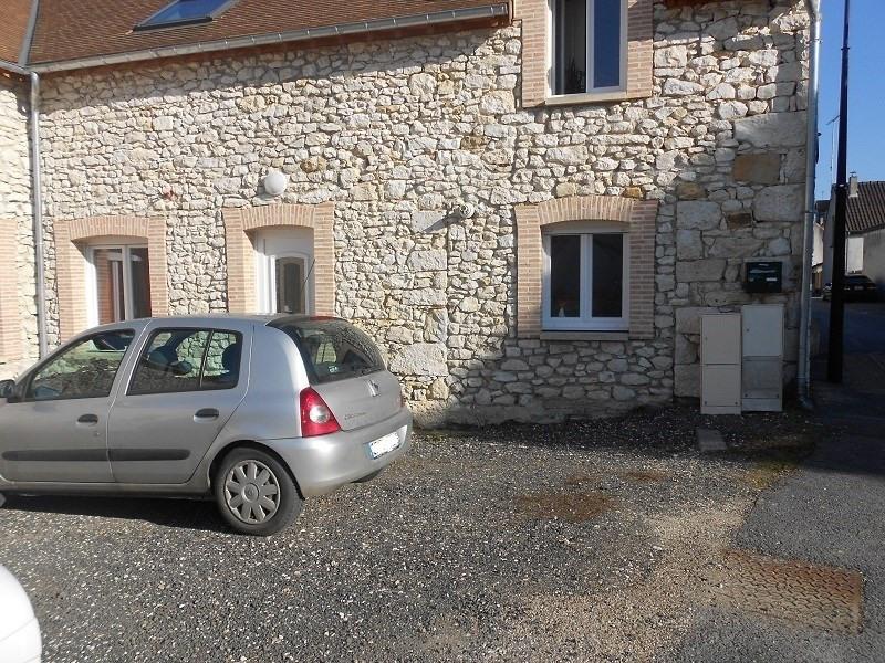 Location maison / villa Sainte colombe 715€ CC - Photo 1