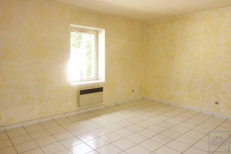 Rental apartment Dommartin 360€ CC - Picture 1