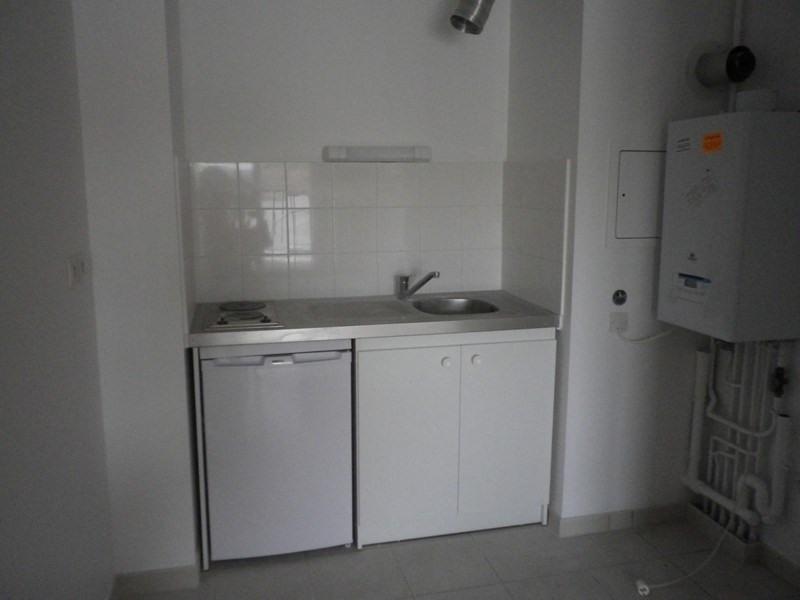 Location appartement Sainte luce sur loire 547€ CC - Photo 4