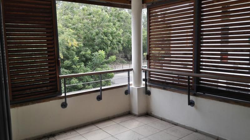 Sale apartment St paul 185000€ - Picture 1