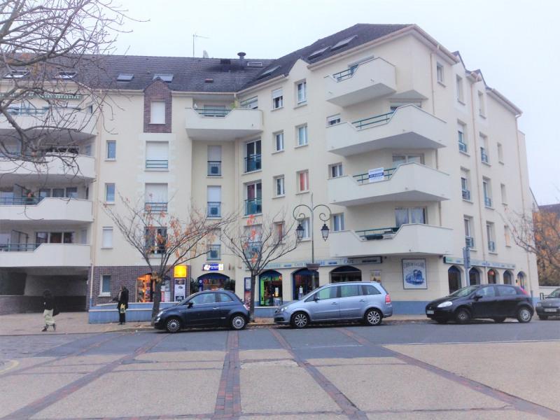 Location appartement Beauchamp 569€ CC - Photo 1