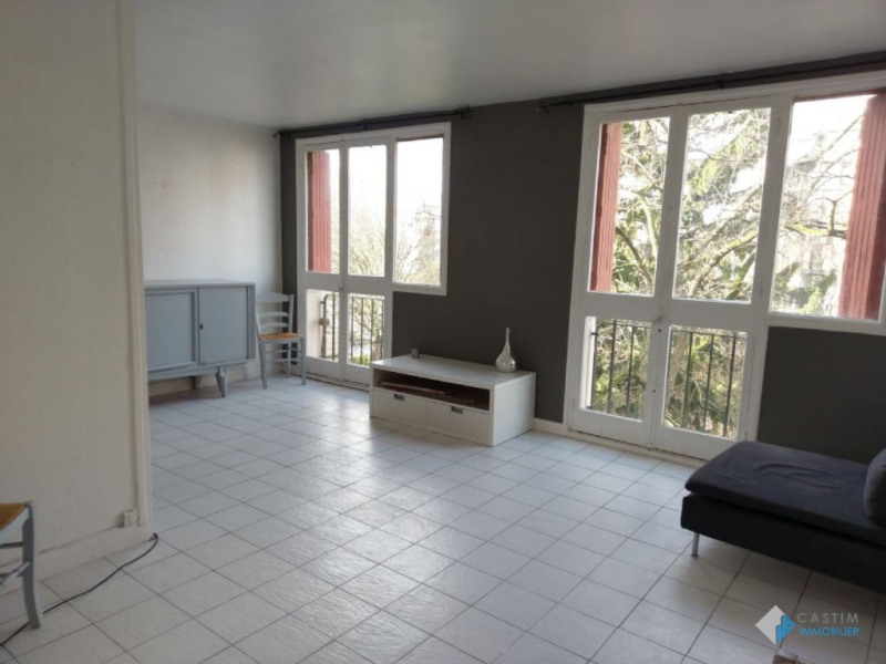 Sale apartment Cachan 214000€ - Picture 1