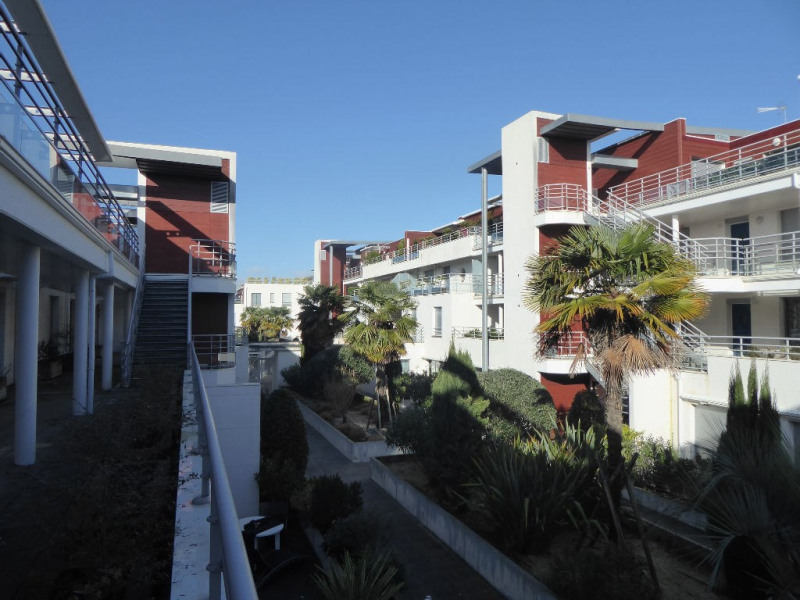 Sale apartment La rochelle 425 250€ - Picture 1