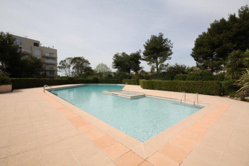 Sale apartment Antibes 297 000€ - Picture 1