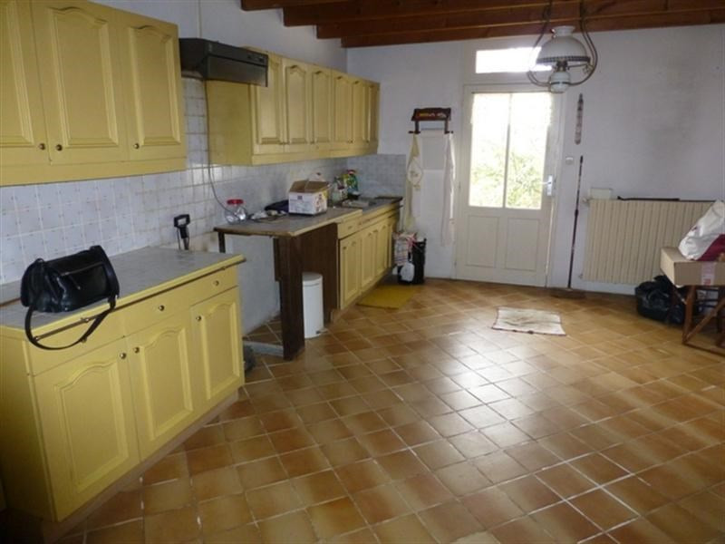 Sale house / villa Saint-jean-d'angély 147 700€ - Picture 2