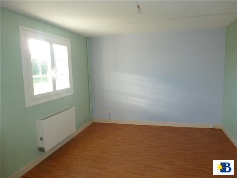 Location maison / villa Naintre 656€ CC - Photo 4