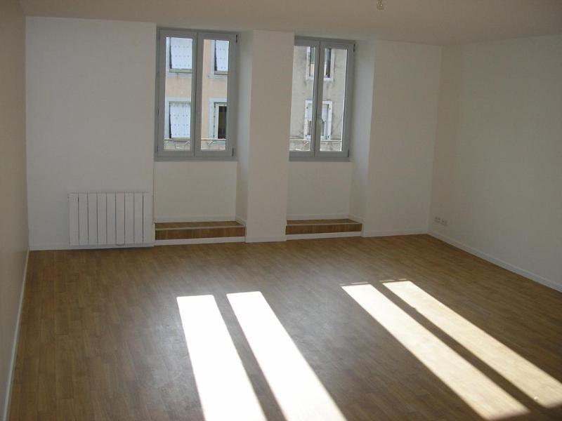 Rental apartment Nantua 479€ CC - Picture 2