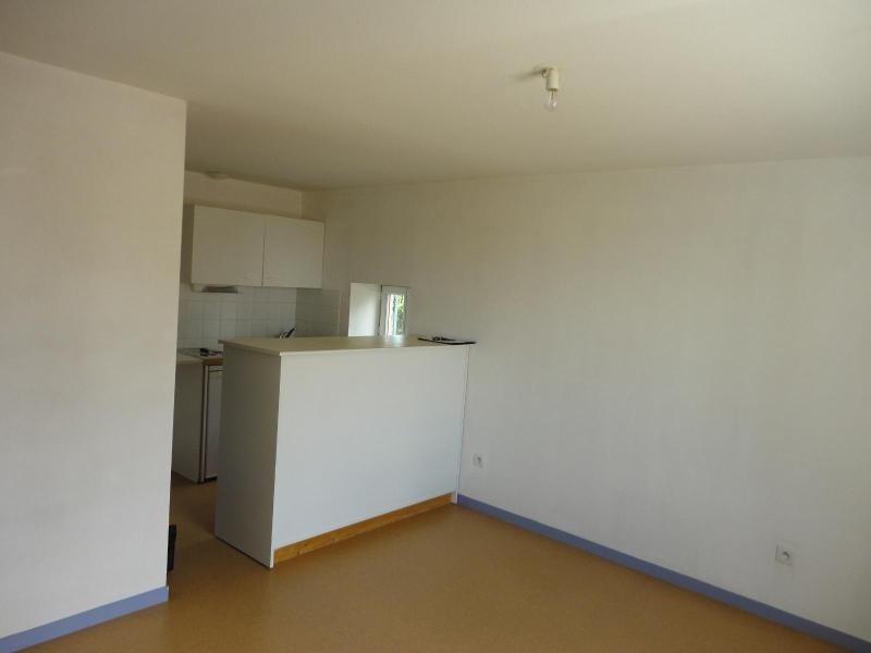 Location appartement Champagne au mont d or 405€ CC - Photo 1