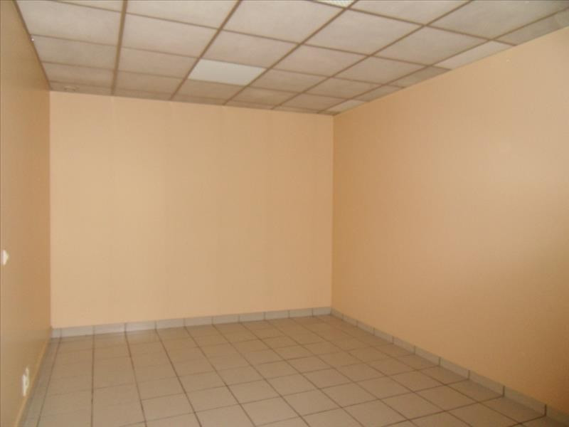 Location local commercial Cognac 452€ HT/HC - Photo 3
