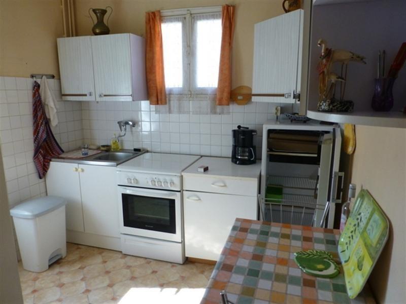 Sale house / villa Saint-jean-d'angély 122000€ - Picture 3