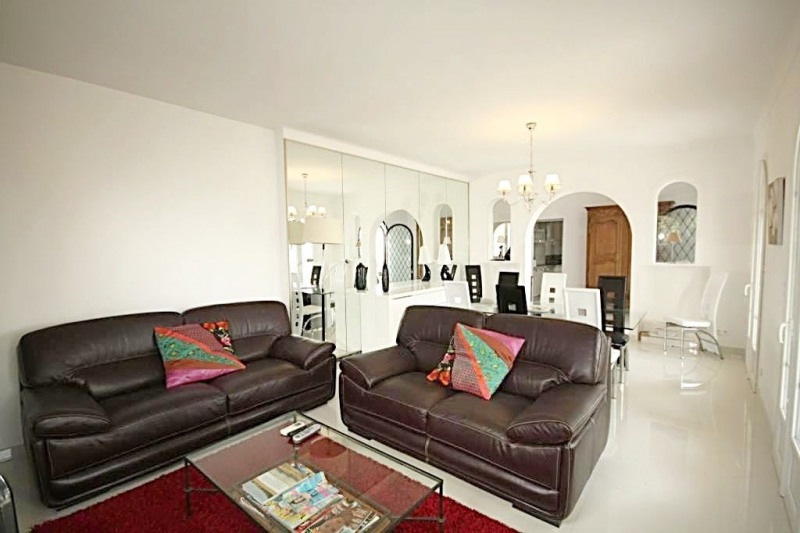Deluxe sale house / villa Antibes 1 080 000€ - Picture 3