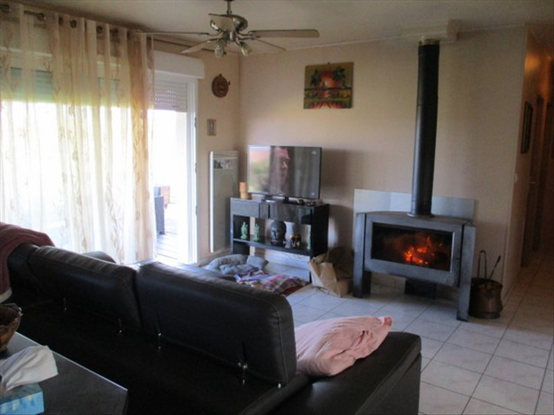 Sale house / villa St jean d angely 159750€ - Picture 6