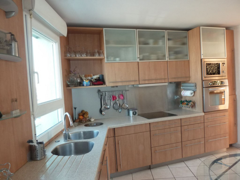 Rental apartment Courbevoie 4 200€ CC - Picture 5