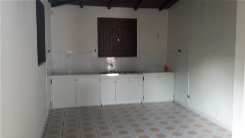 Rental house / villa Le gosier 1 053€ CC - Picture 8