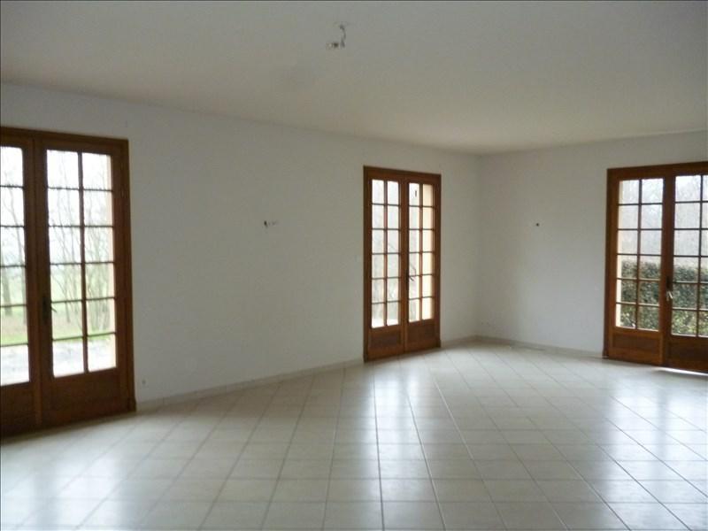 Location maison / villa Briennon 890€ CC - Photo 2