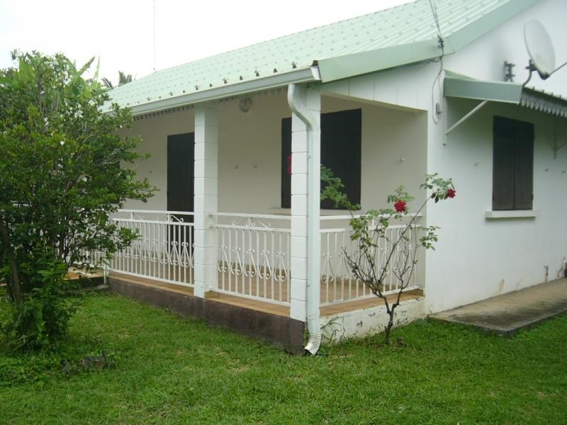 Rental house / villa St gilles les hauts 1055€ CC - Picture 9