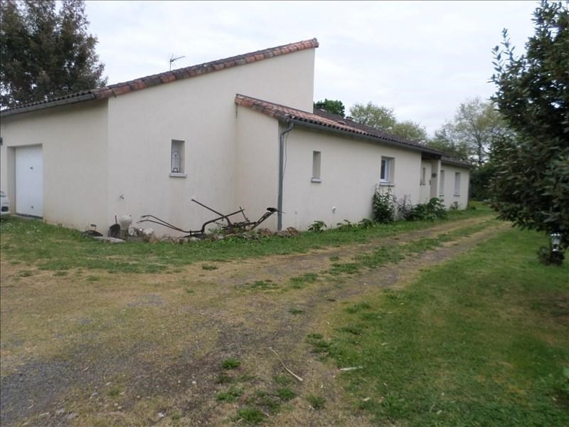 Vente maison / villa Lussac les chateaux 240000€ - Photo 3