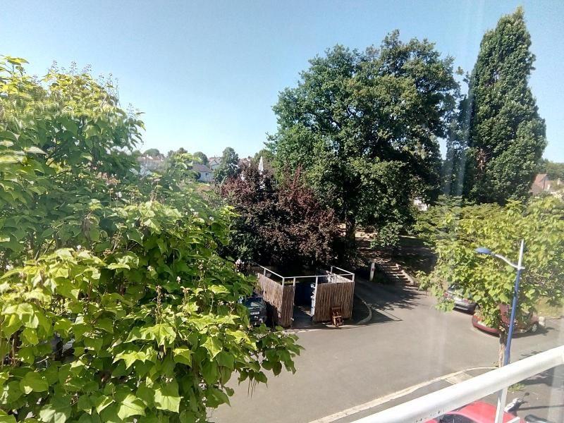 Location appartement Bellerive-sur-allier 590€ CC - Photo 1