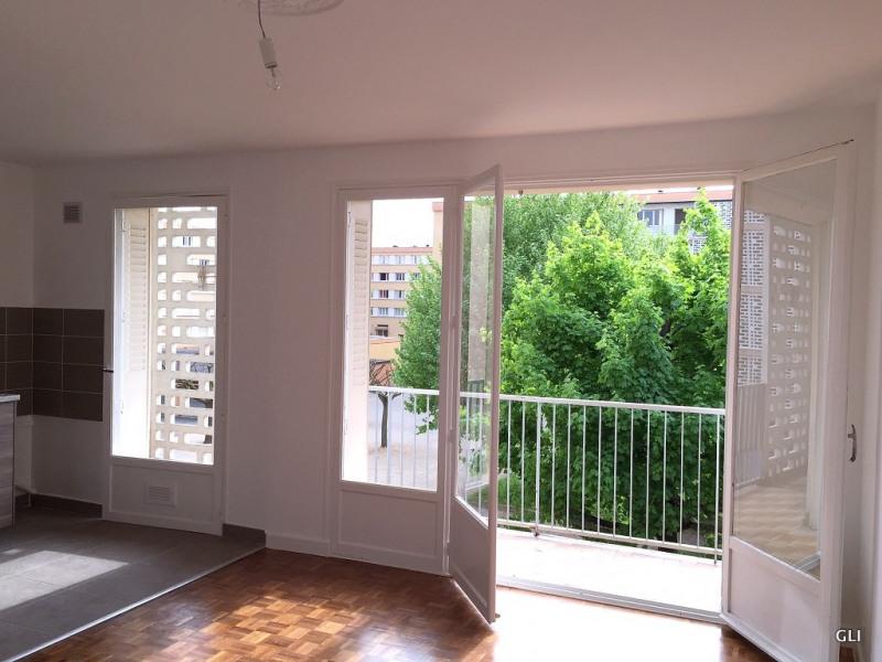 Rental apartment Bron 740€ CC - Picture 4