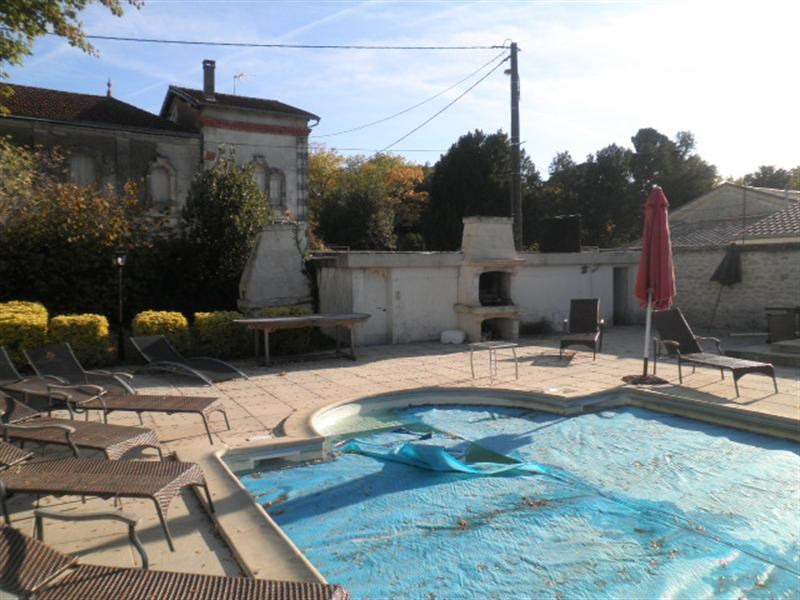 Sale private mansion Saint fort sur gironde 725 000€ - Picture 3