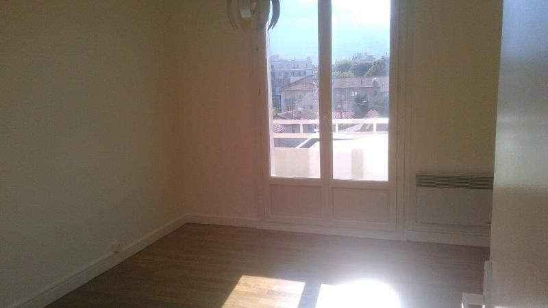 Location appartement Grenoble 690€ CC - Photo 6