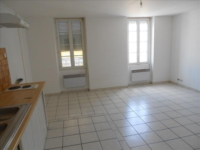 Rental apartment Castelnau de medoc 315€ CC - Picture 1