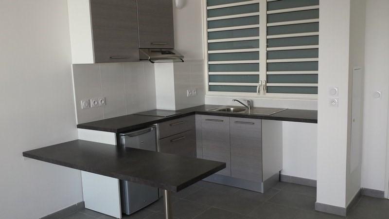 Location appartement St denis 593€ CC - Photo 3