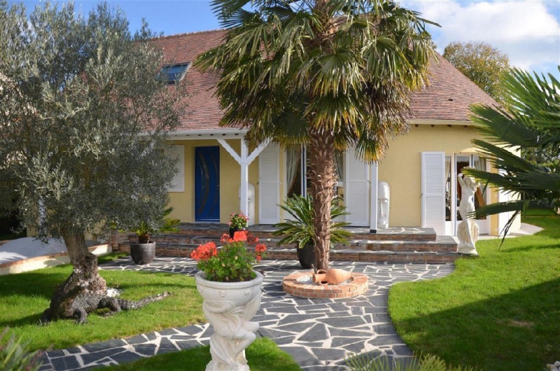 Sale house / villa Sivry courtry 525000€ - Picture 1