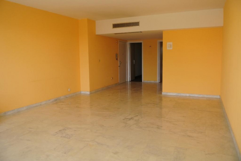 Location appartement Cap d'antibes 2 080€ CC - Photo 5