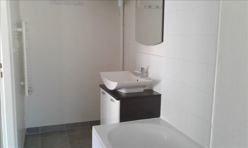 Location appartement Neuville sur saone 390€ CC - Photo 5
