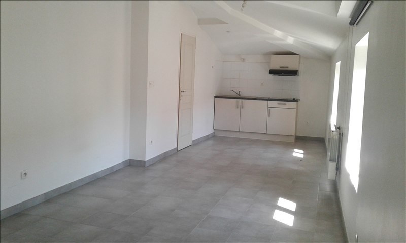Location appartement Neuville sur saone 390€ CC - Photo 2
