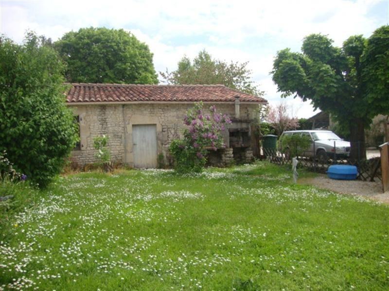 Sale house / villa Saint-jean-d'angély 190800€ - Picture 4