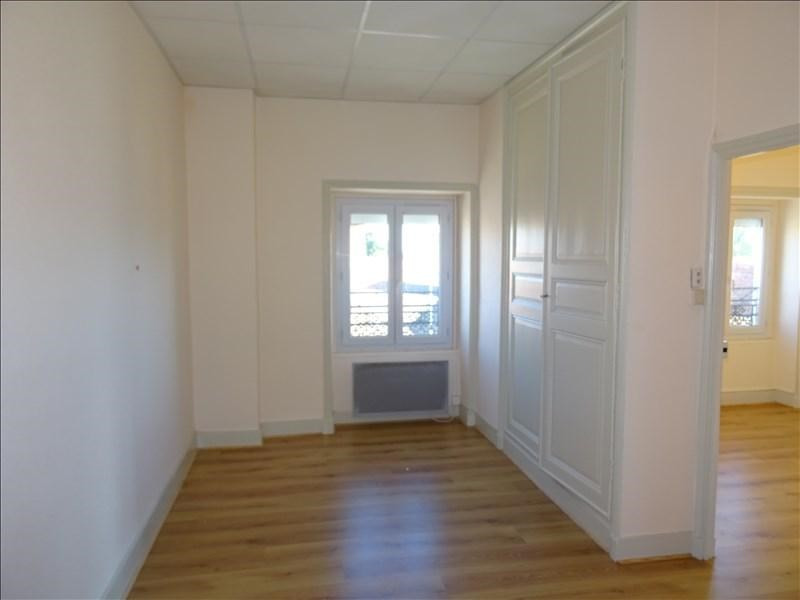 Rental apartment St germain lespinasse 362€ CC - Picture 3