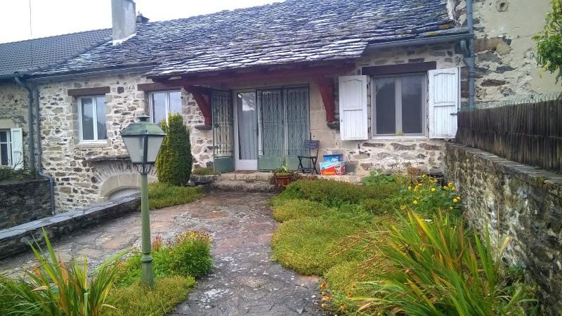 Sale house / villa St hostien 137800€ - Picture 1