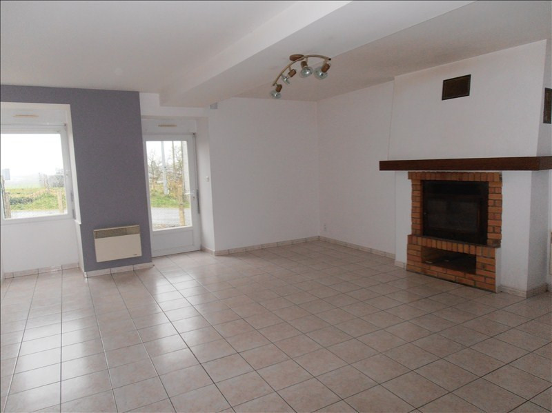 Location maison / villa Chateaubourg 600€ CC - Photo 2