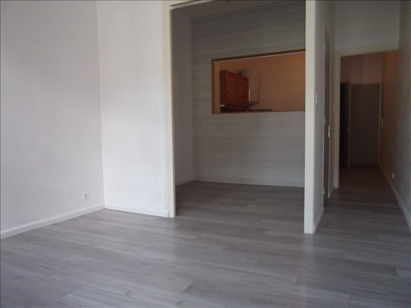 Location appartement Yenne 350€ CC - Photo 3