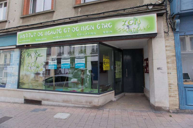 Location local commercial St omer 800€ CC - Photo 3