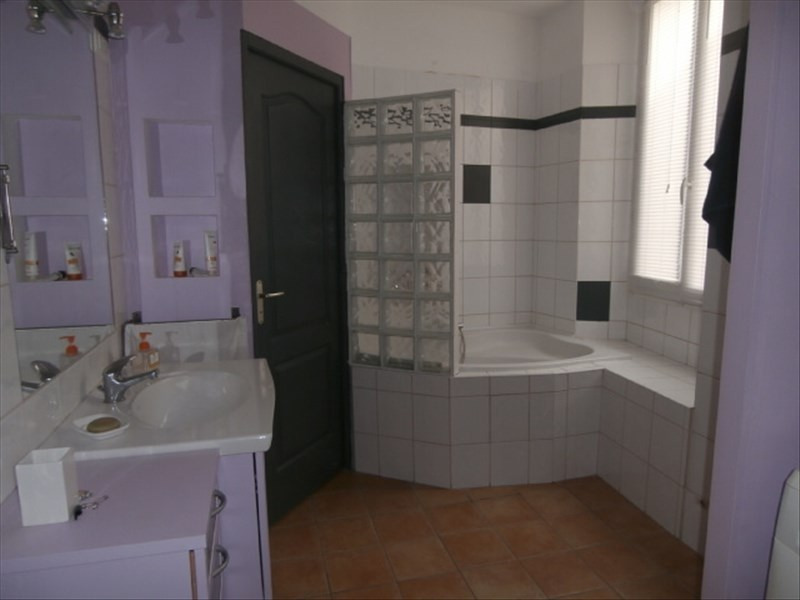 Rental apartment Chambery 697€ CC - Picture 3