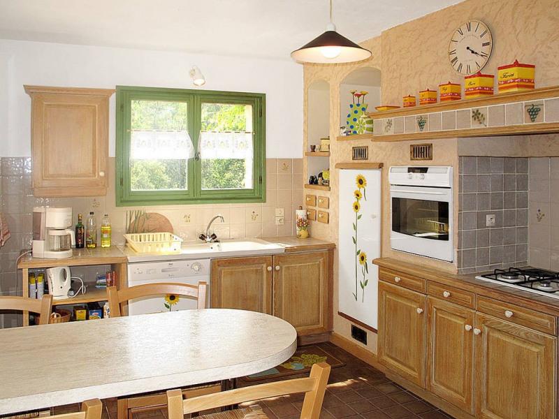 Vente maison / villa Bagnols-en-forêt 590000€ - Photo 5