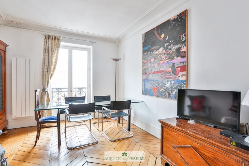 Sale apartment Paris 10ème 479 000€ - Picture 2